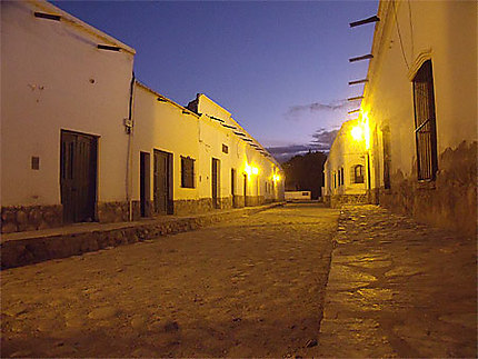 Cachi by night