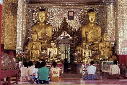 Rangoon : à la pagode Shwedagon