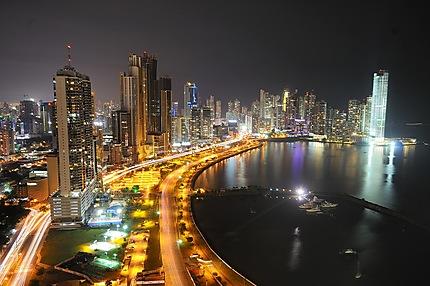 Panama City de nuit