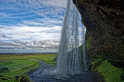 Envoutante cascade