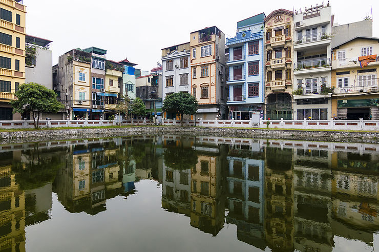 La vieille ville : les ruelles du quartier des 36 corporations