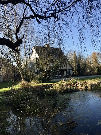 Le Prieuré de St Arnoult et son jardin