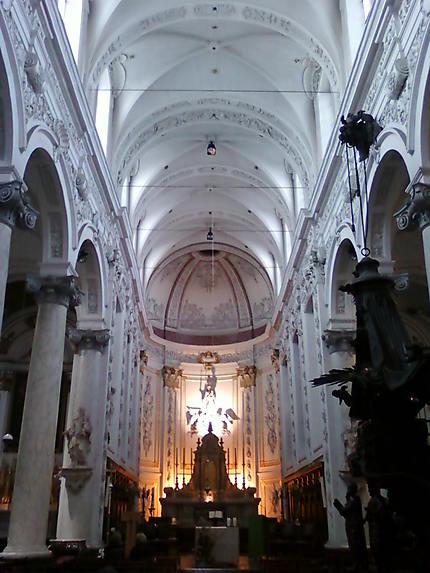 Interieur de l'Eglise Notre-Dame du Finistère