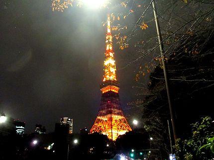 La tour de Tokyo la nuit