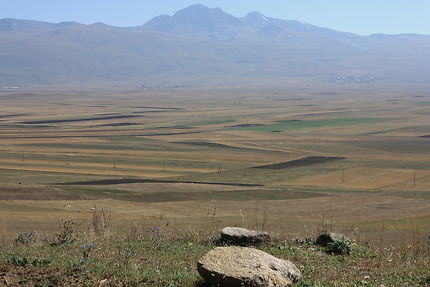 Massif de l'Aragats depuis la route Spitak/ Erévan