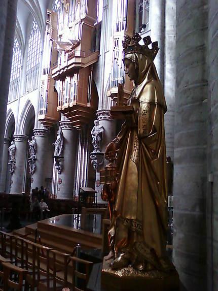 Statue de Sainte-Gudule
