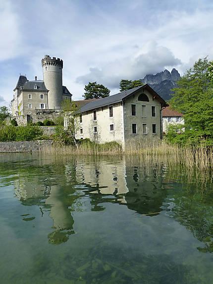 Maison et château à Duingt