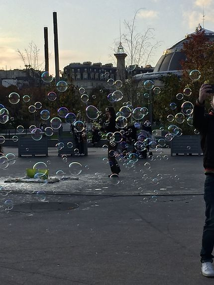 Nuage de bulles sur les Halles