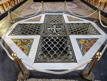 Le Bathysphère Église Notre-Dame-de-Bonne-Nouvelle