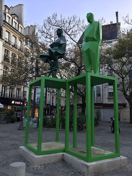 Statues monumentales à Beaubourg