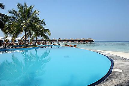 Bleu piscine sur bleu lagon