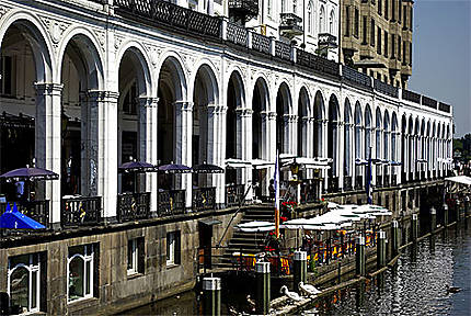 Die Alsterarkaden (les arcades de l'Alster