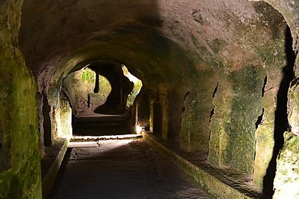 La crypte de l'Eglise souterraine Saint-Jean