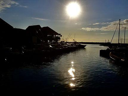 Fin d'après-midi sur le port de St-Gilles