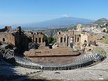 Théâtre de Taormina et l'Etna