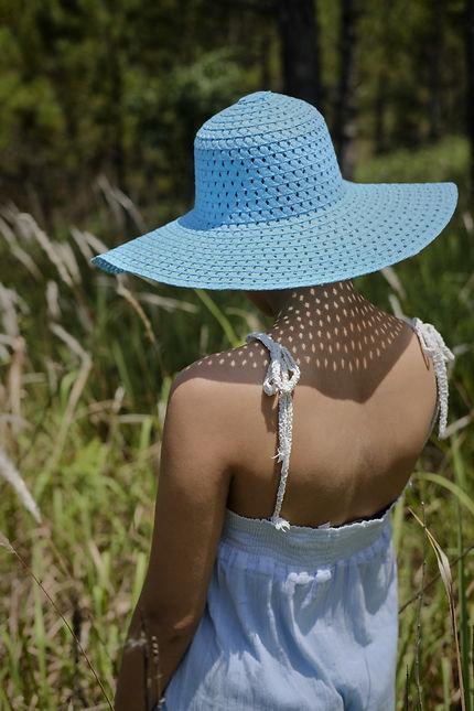 Mai au chapeau bleu