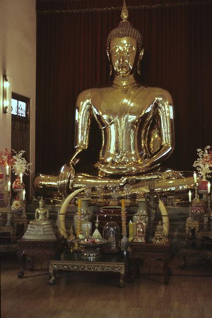 Le Bouddha d'or du Wat Trimit en 1985