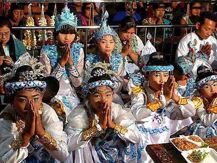 Cérémonie à Mandalay