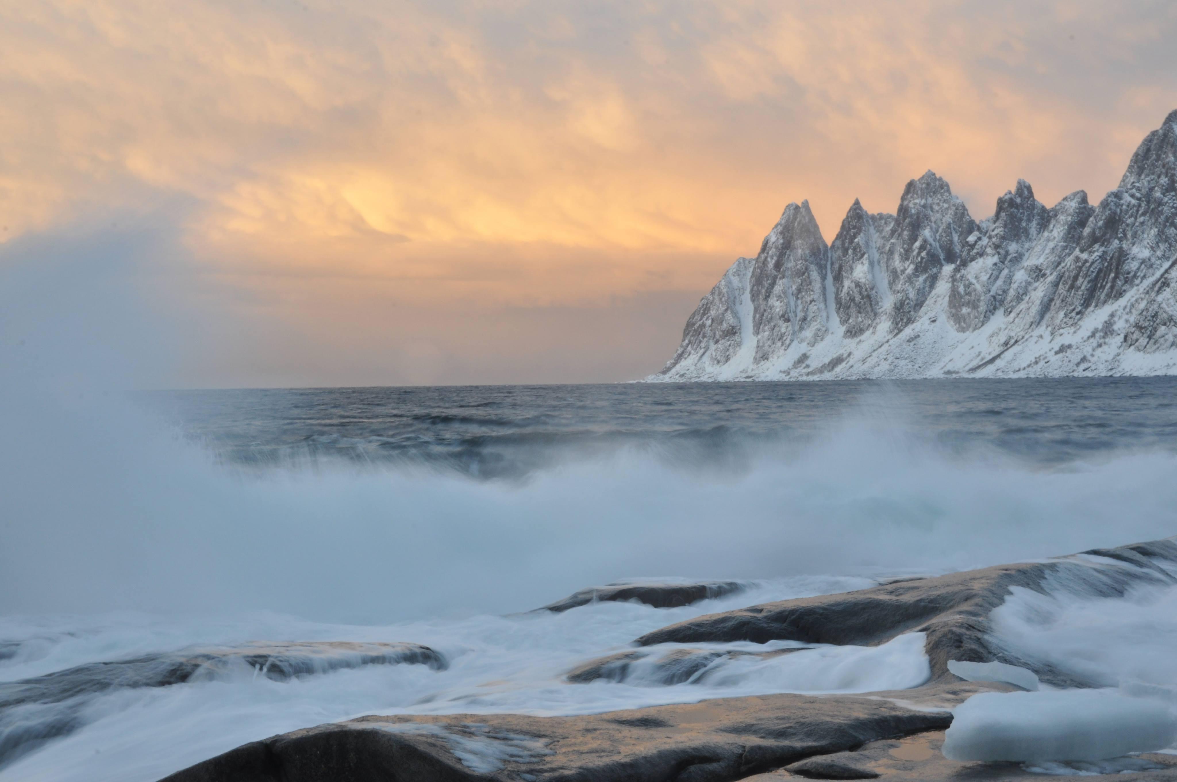 Les Dents Du Diable Au Coucher De Soleil Coucher De Soleil Ile De Senja Narvik Tromso Et Environs Norvege Routard Com