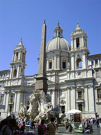Fontaine des Quatre Fleuves et église de Sant'Agnese in Agone