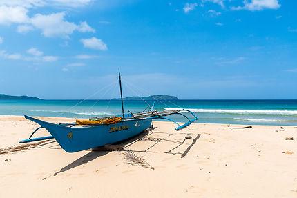 Bangka sur Dagmay beach
