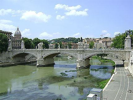 Fleuve Tibre et ponte Vittorio