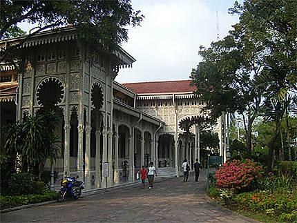 Autour du Palais Vinmanmek