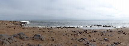Toujours du monde sur la plage