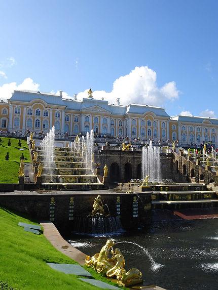 Jets symétriques au Château de Peterhof