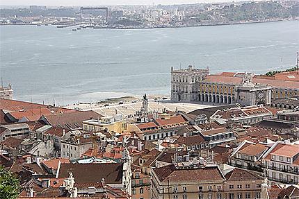 Vue de la place du Commerce prise du Castelo de Sao Jorge