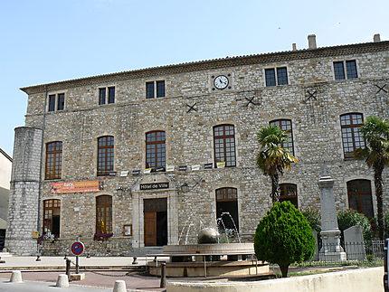 Vallon-Pont-d'Arc, la mairie