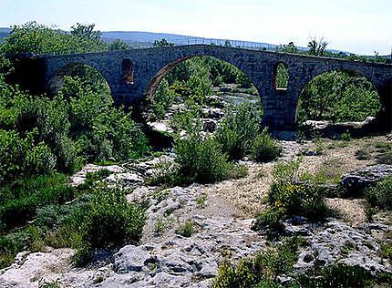 Pont Julien à Bonnieux