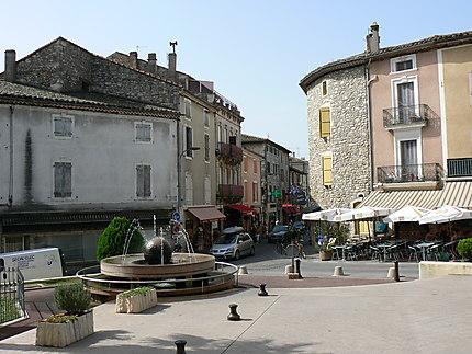 Vallon-Pont-d'Arc, place de la mairie
