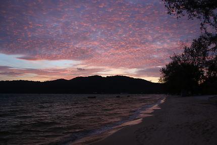 Lever de soleil sur l'île de Koh Rong Saloem