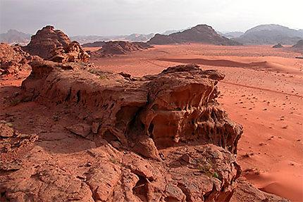 Le crépuscule envahit le wadi Rum