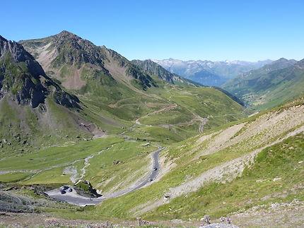 Vue du col du Tourmalet vers La Mongie