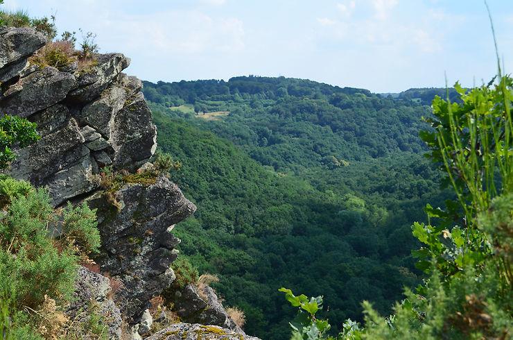 La Roche d'Oëtre, joyau de la Suisse normande