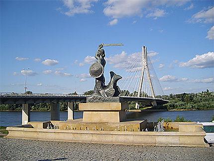 Sirène et pont de Swiotokryski