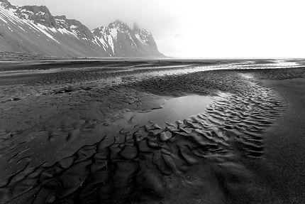 Plage de sable noir de Stokksnes, Islande