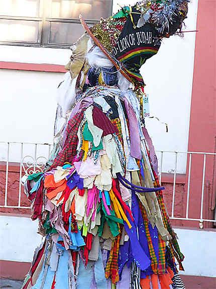 Défilé pour l'ouverture du carnaval