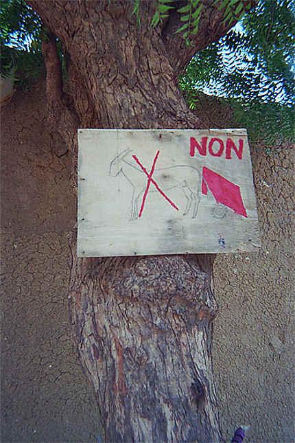 Stânetionnement interdit