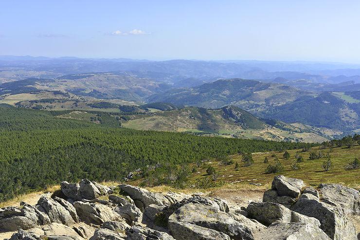 Randonner dans le parc des monts d'Ardèche