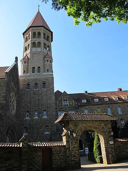 Abbaye bénédictine Saint Maurice et Saint Maur