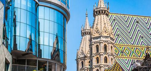 Vienne insolite - Haas Haus et cathédrale Saint-Étienne © JFL Photography - Fotolia