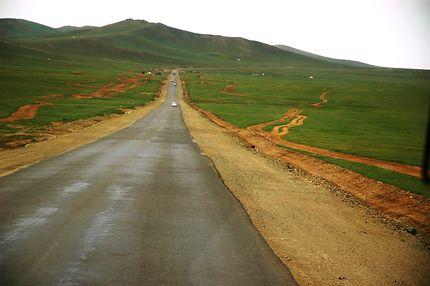 Dans la steppe mongole, parc de Gorkhi-Terelj