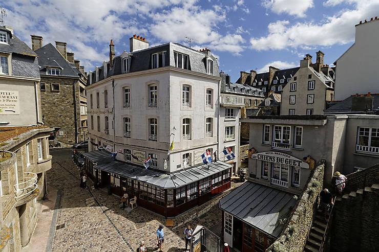 Saint-Malo et Dinard, élégantes Bretonnes