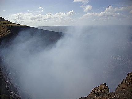 Fumerolles du volcan Masaya
