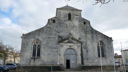 Façade de l'église d'Hiers-Brouage