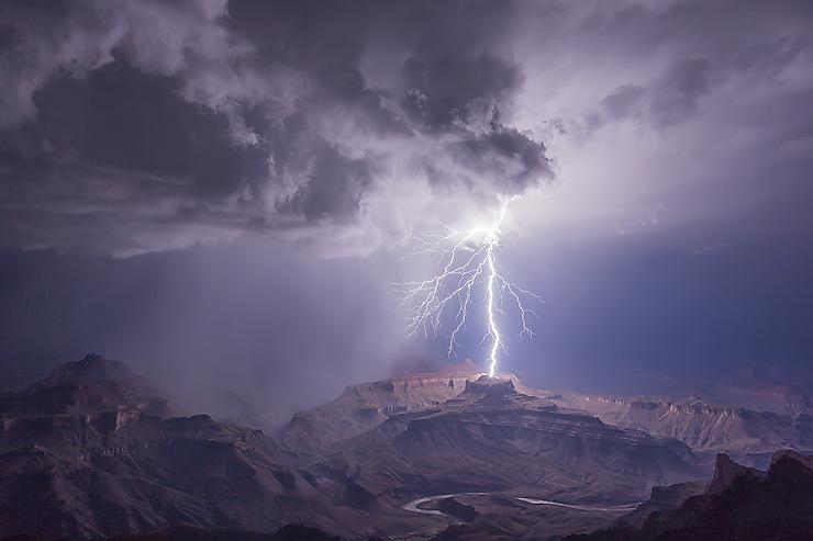 Eclair sur le Grand Canyon, Arizona
