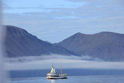 Brumes du fjord d'Husavik